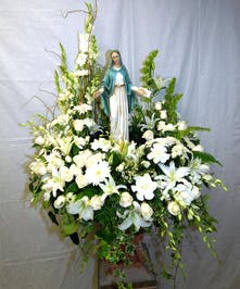 Wreath with Blessed Mother Statue