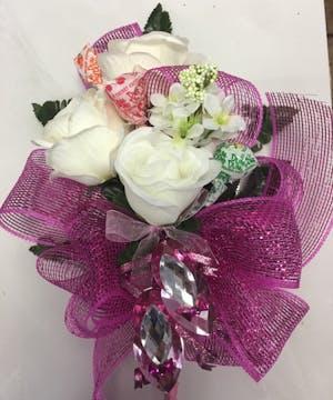 White Silk Rose Presentation bouqet