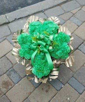 Graveside shamorck Fresh Flowers