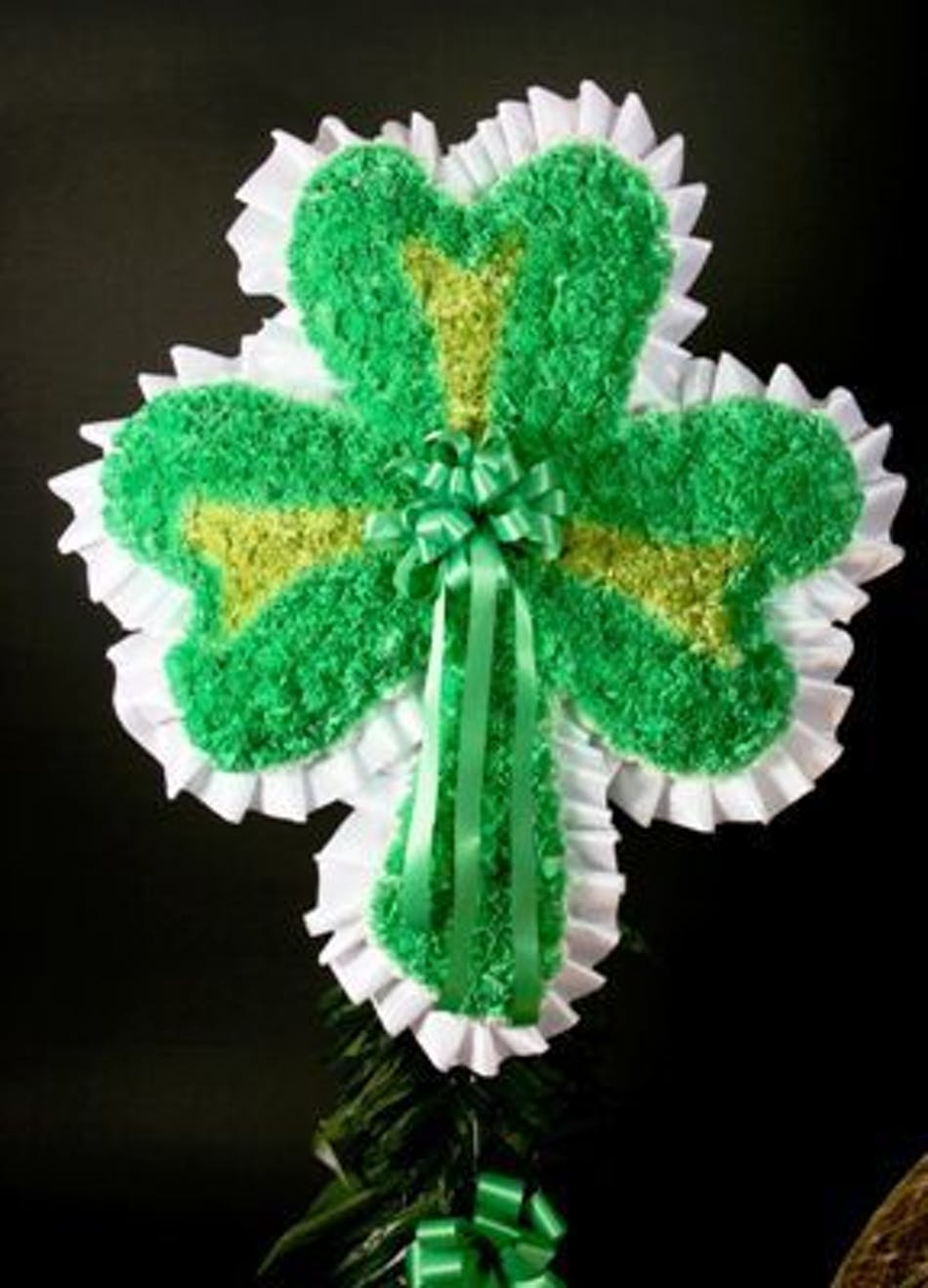 Shamrock funeral flowers available for nationwide delivery izmirmasajfo